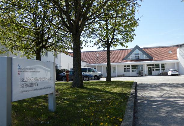 Einfahrt BKH Straubing